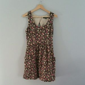 XXI Floral Sleeveless Dress With Pockets Size M